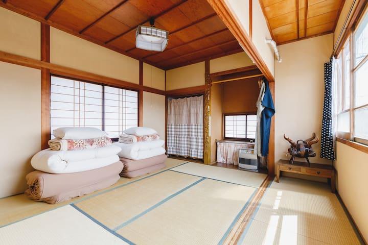 松本城が見える和風の個室