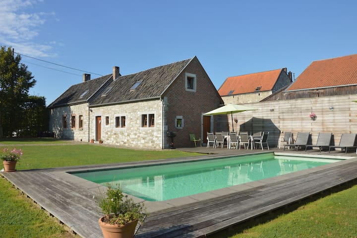 Charmantes Cottage mit eigenem Swimmingpool in Limburg