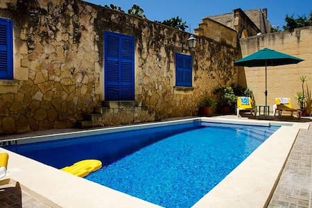 Ta Pawlu house of Character sleeps 10 - Rabat - Dom