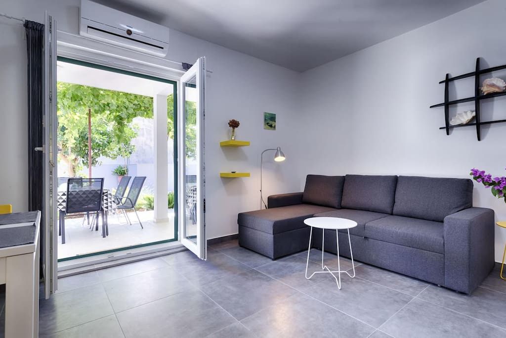 Living room, Surface: 14 m²