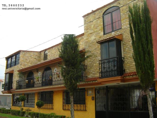 Residencia casa amarilla - Heroica Puebla de Zaragoza - Casa