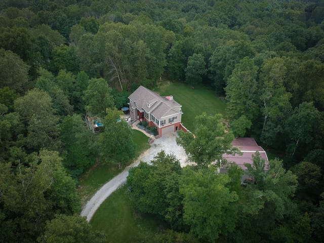 Private Country Getaway 20 minutes from Louisville
