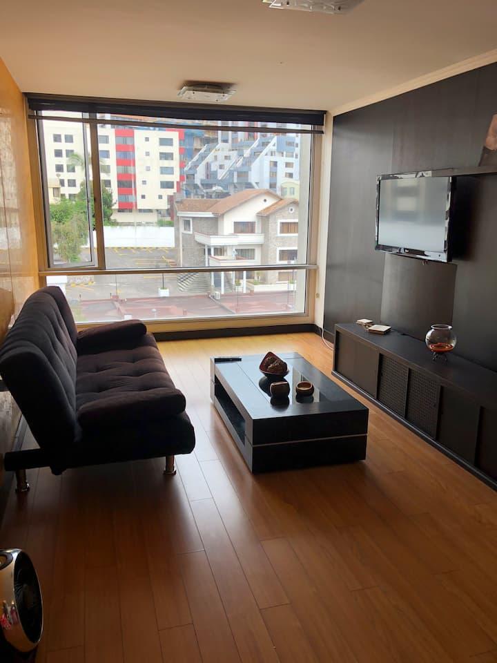 Suite Plaza, Portugal y 6 de Dic. Parque Carolina