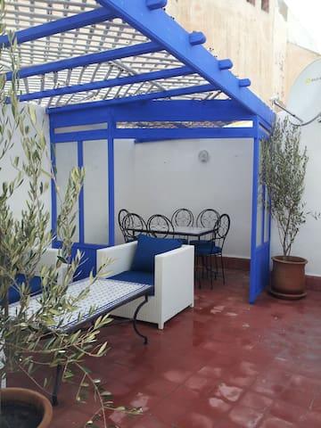 Brand new town-house - riad / heart of the medina - Essaouira - Şehir evi