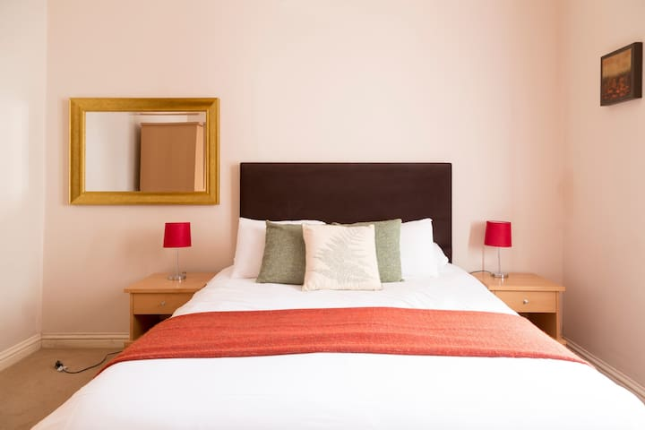 ♥ of Cambridge| Double-bed| 2 Parking Spaces