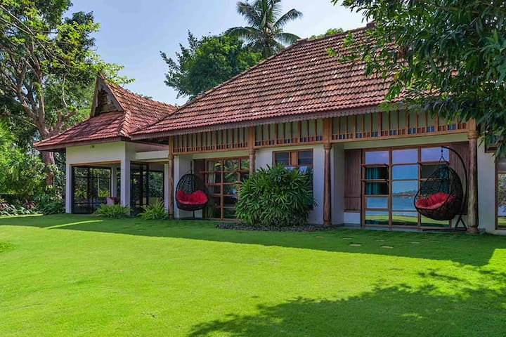 ⛱Lake View 1BR Wheelchair accessible Kochi Cottage