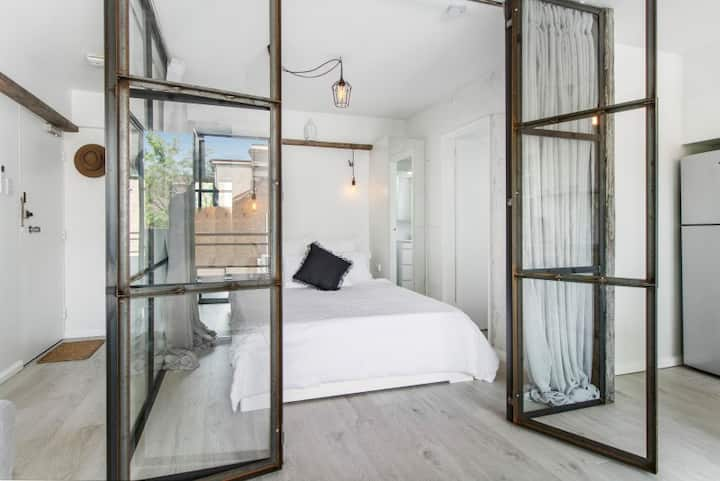DESIGNERS DREAM OASIS HEART OF POTTS POINT