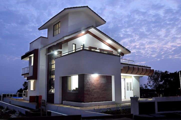 3BHK Villa with Amazing Sea View for Big Group