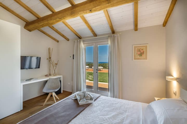 Mirto - Rural hospitality in charming seaview room