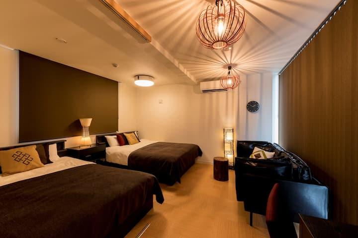 ワンフロアに一室だけの「住むように泊まれる」川沿いの小さなホテル