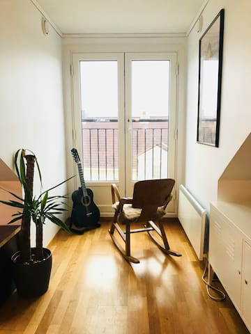 Cozy apartment in the middle of the city.
