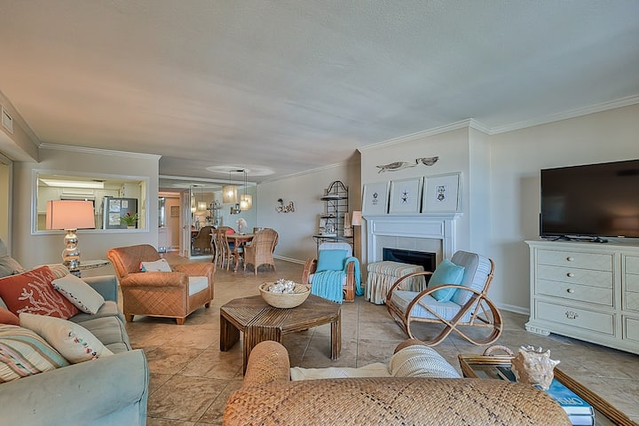 NEW LISTING: Oceanfront Breakers Condo