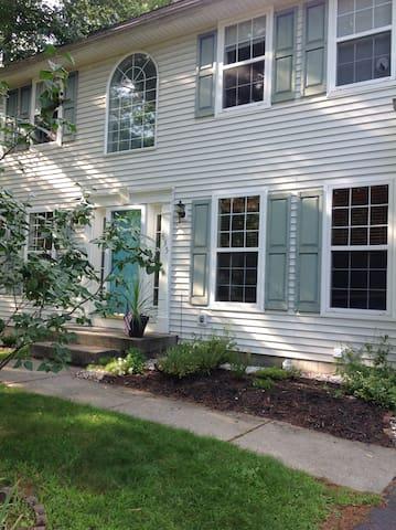 Large family home in Saratoga NY - Ballston Spa - Rumah
