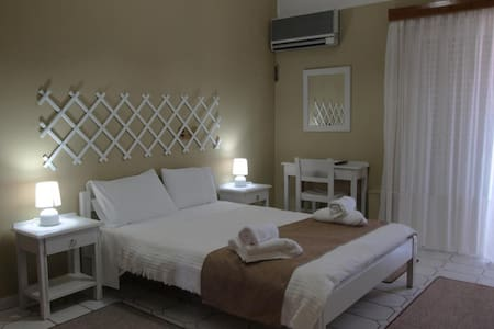 ☕️[WITH BREAKFAST] One Bedroom Apartment*4 pax*A/C