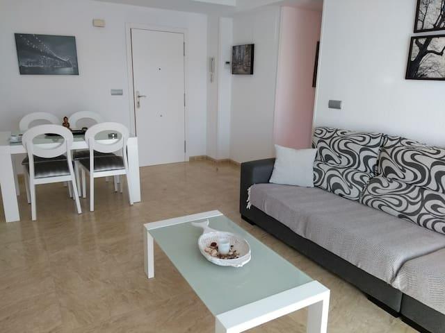Precioso  piso con piscina y parking .VT-47236-V