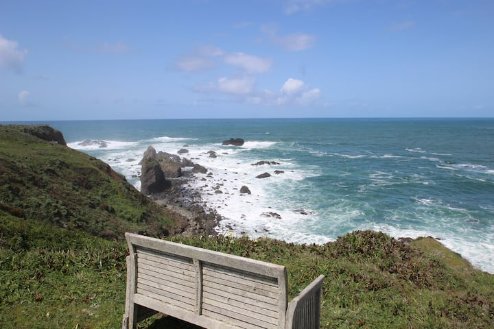 Edge of the Sea - the perfect retreat on the Pacific headlands