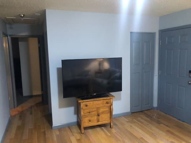 THREE BEDROOM TOWN HOME IN A CENTRAL LOCATION