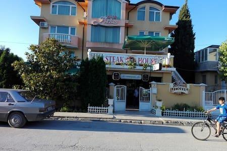 Hotel Restaurant Atlas - Kranevo - 아파트