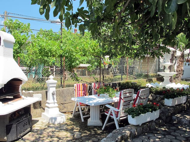 Apartment Haus Dilly in city of Krk