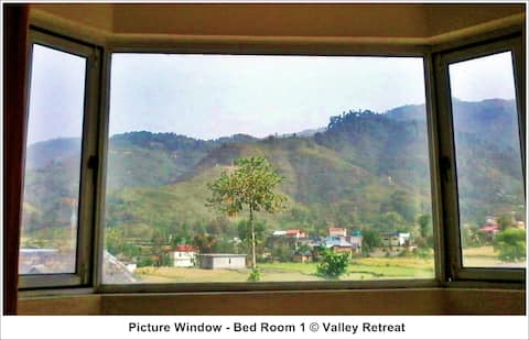 Chamunda View Room, Valley Retreat, Chowari
