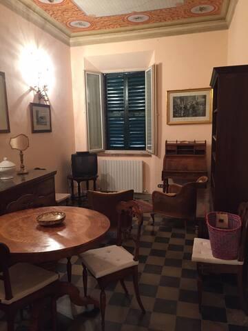 Appartamento d'epoca nel cuore delle Marche