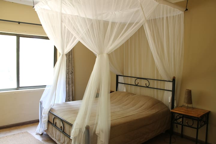 Private Chalets on Game/Fishing Lodge - Mpongwe - Nature lodge