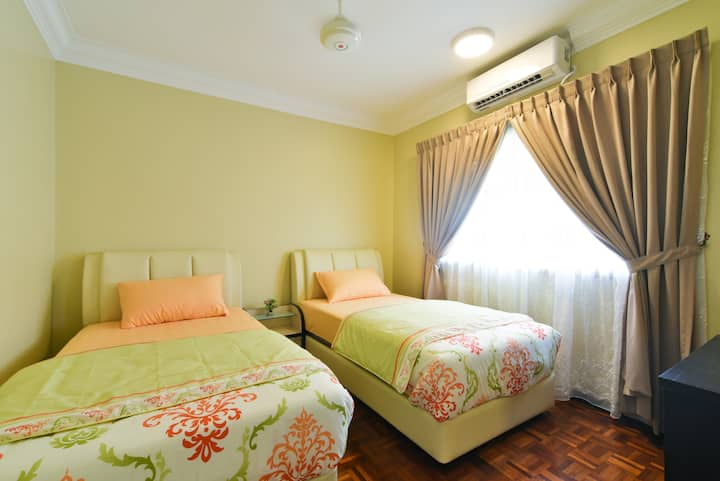 Conveniently located 3b2b Apartment