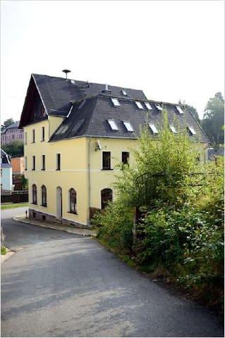 """Gästehaus """"Am Adlerfelsen"""" - Eibenstock - Casa de huéspedes"""