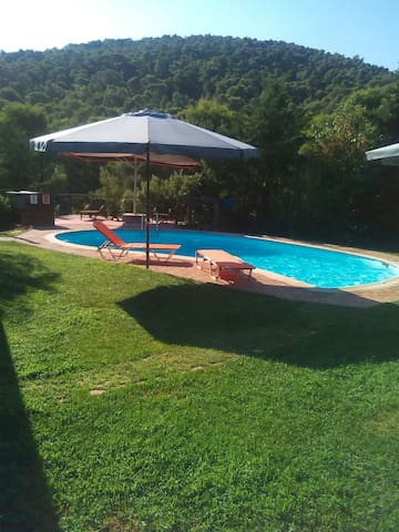 Private countryhouse with pool near Athens airport