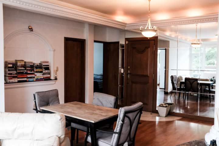 Private Room in a Beautiful Building, La Condesa