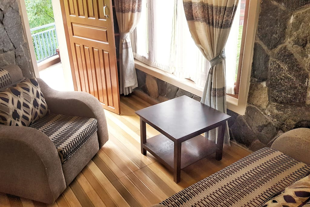 Comfortable 1 and 2 seater nook