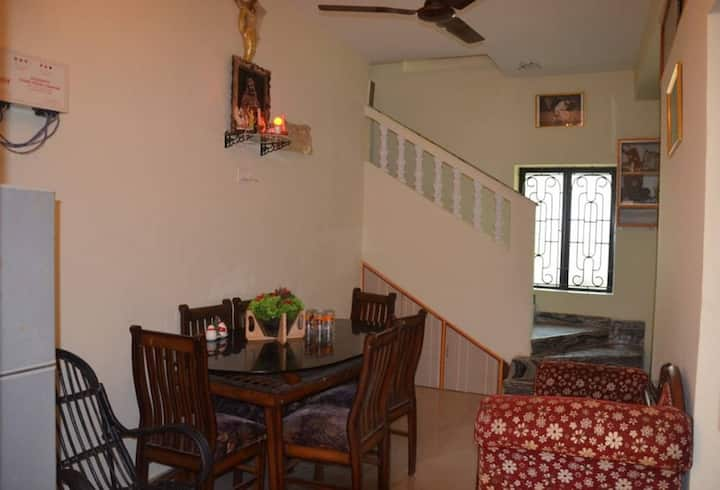 Dennis's 3 Bedroom Beach Villa in Ashwem