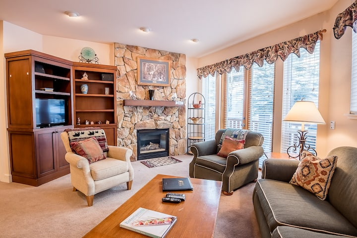 Room for 8 Guests with Onsite Exercise Room & Hot Tub - Close to Bald Mt Ski Lifts   | 2 Bedroom, 2 Bathroom