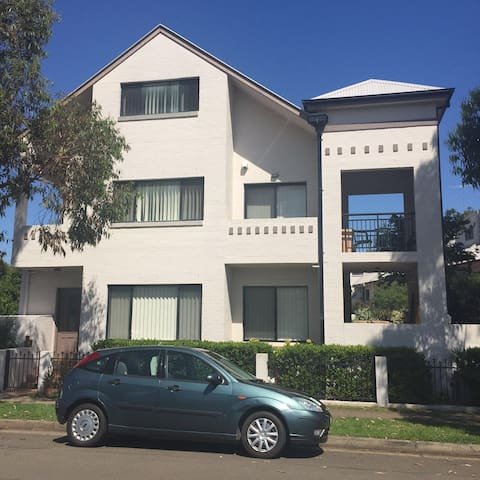 M's masterroom+ensuite, wifi &air - Parramatta - Byhus