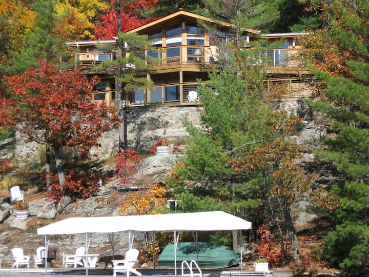 Entire Cottage on Waterfront - South Lake Muskoka