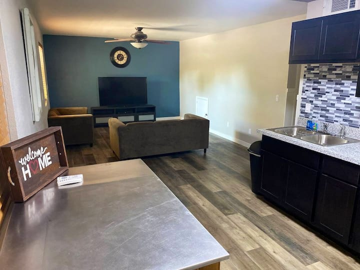 Central Gilbert Private Guest Suite!