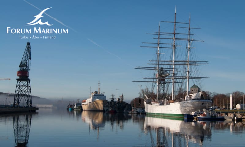 The Forum Marinum Maritime Centre is a lively and versatile centre for maritime activities, comprising a national special maritime museum, and the Finnish Navy Museum.