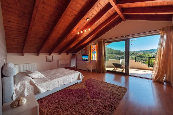Dream Loft of Fillerimos HillSide Villa