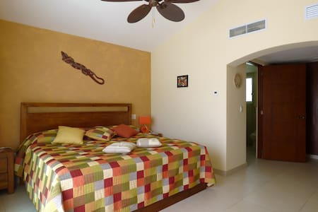 Private room with golf cart in Puerto Aventuras