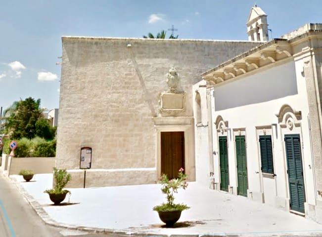 A recently renovated big villa in Salento