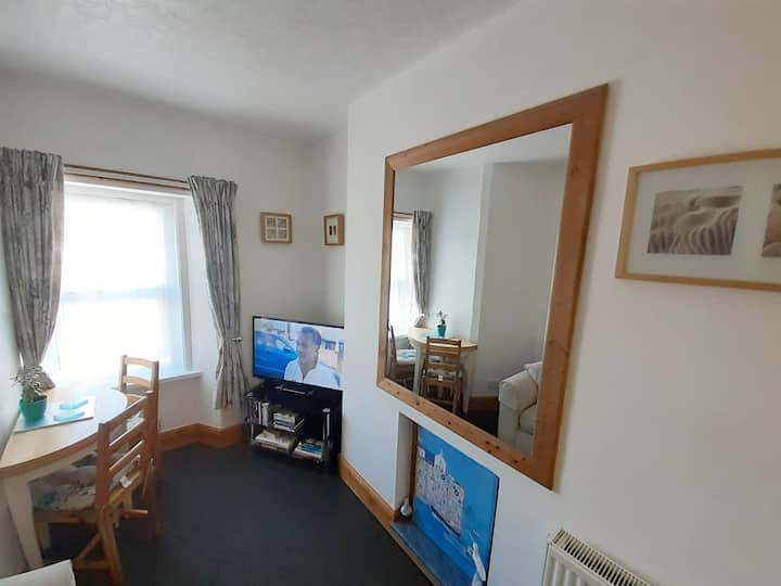 1 Bedroom Apartment, Central Llandudno. Sleeps 2
