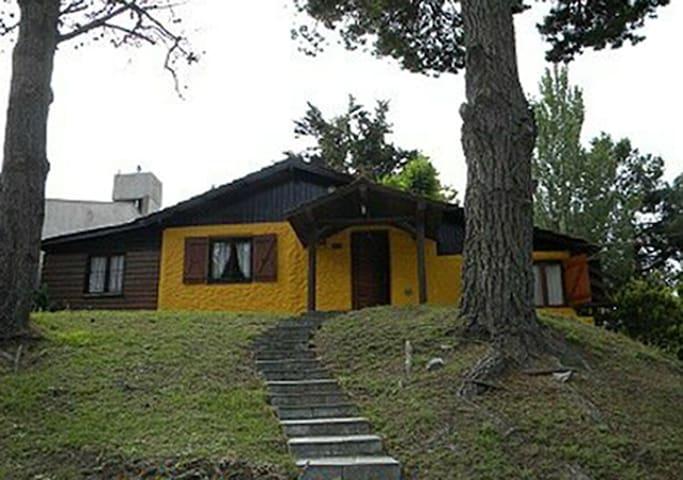 Casa Amarilla en Villa Gesell - Villa Gesell - Huis
