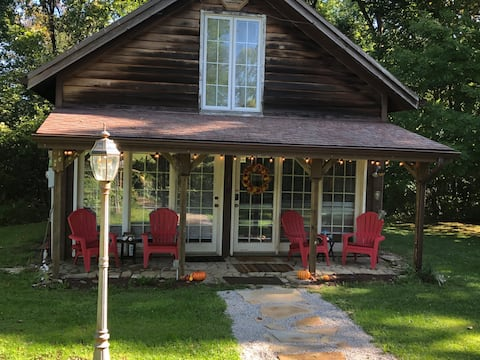 Cabin on 15 acres! Minutes from ski lodge.