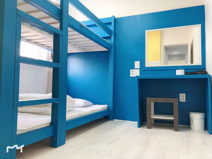 .Twin Room