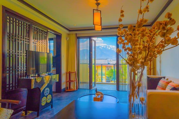 古城观景度假别墅,2室1厅跃层别墅,免费停车,连住三天免费接机