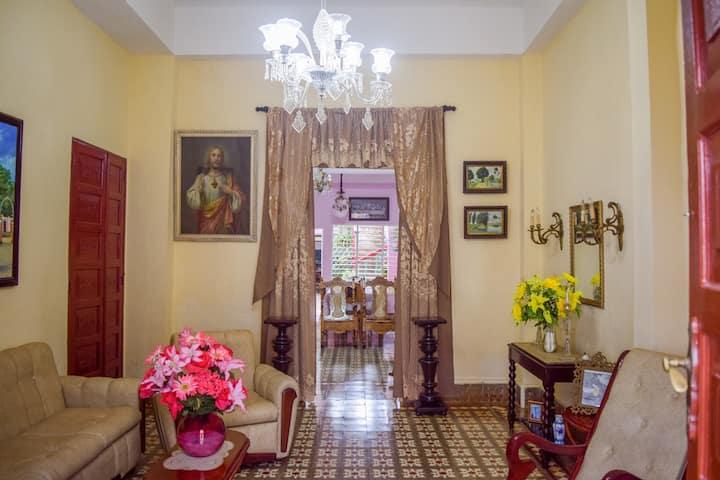 Hostal HILDAJYP. A lo colonial y en Familia