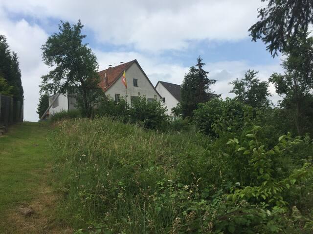 """Freiraum, Haus, Holzofen, Garten. """"Besser als nix"""""""
