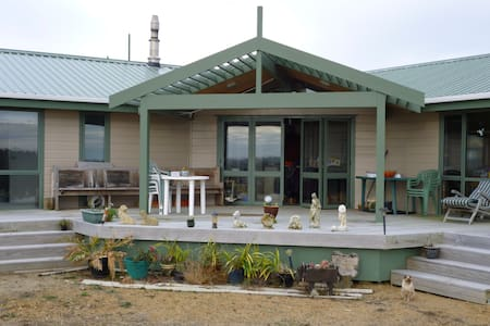 Cosy house near beach and village. - Waitarere Beach - 獨棟