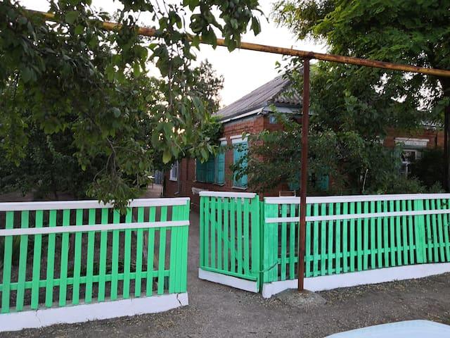 Уютный дом, в Должанской