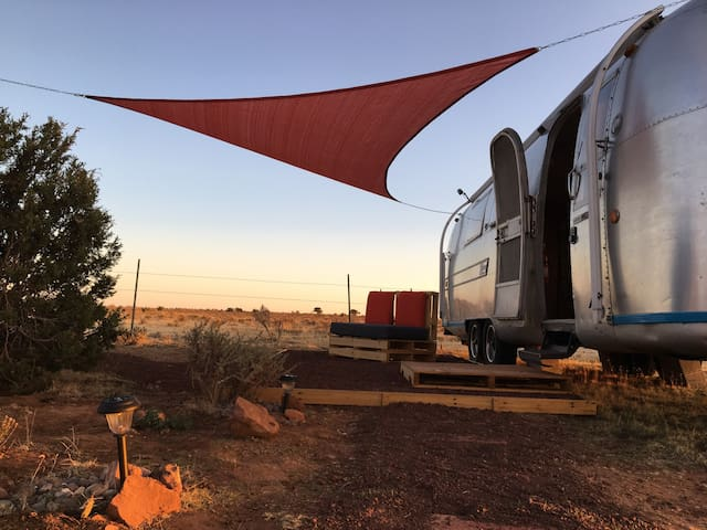 RUSTIC Airstream Basecamp near the Grand Canyon!